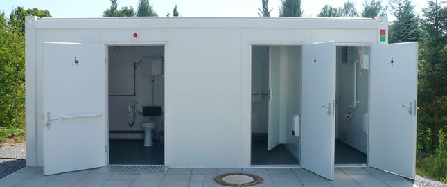 Sanitary cabin with disabled access